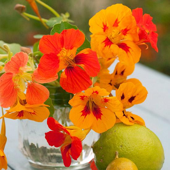 leichte blumen deko ideen zum muttertag tief orange