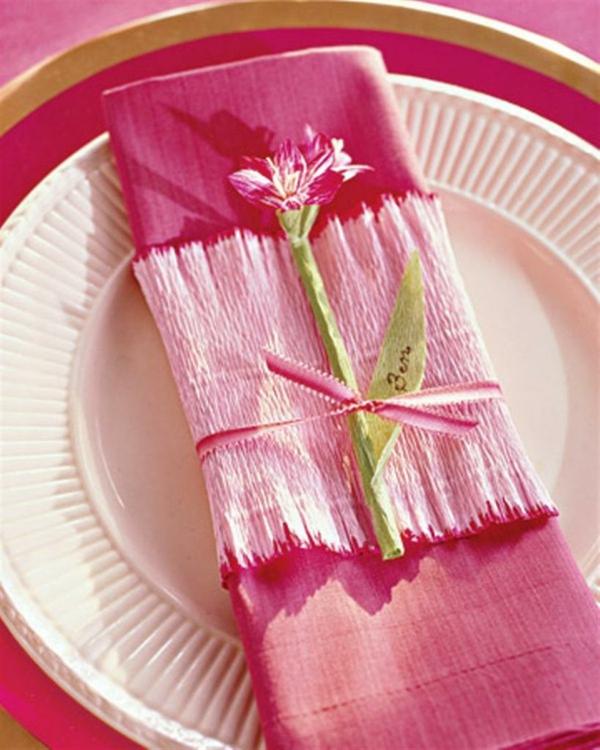 muttertag deko ideen rosa papier geschenke teller