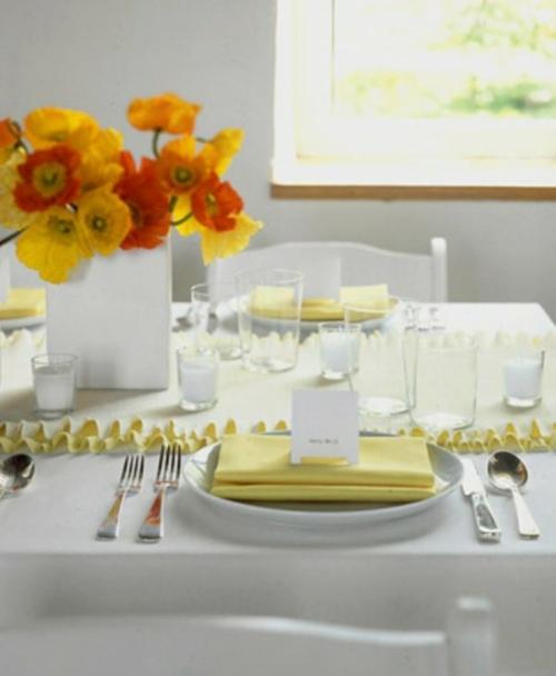 Tisch Deko Ideen zum Muttertag tisch festlich orange rot blüten