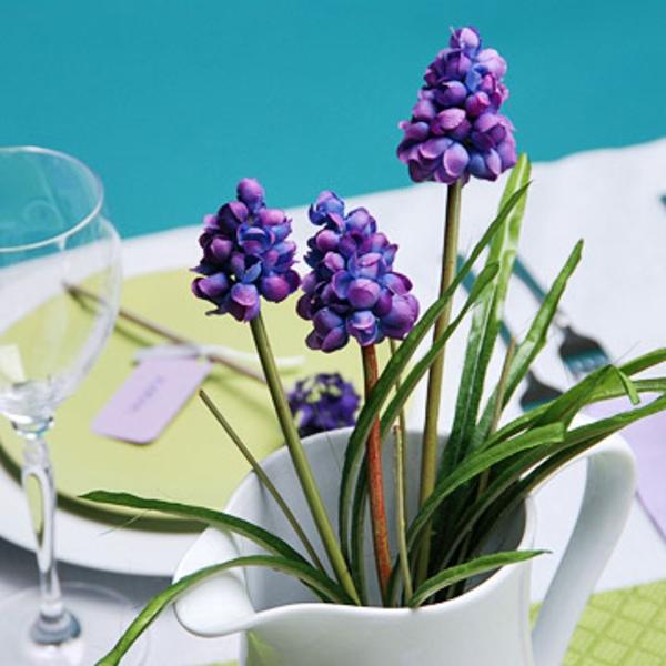 muttertag tisch deko ideen lavendel frisch lila akzent mitte