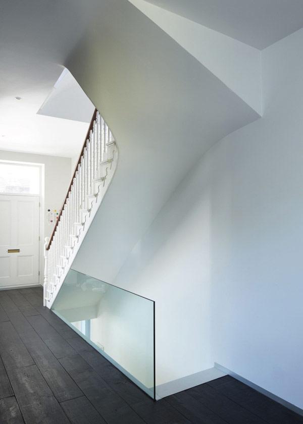 naugestaltung lens house london flur treppenhaus glas hell