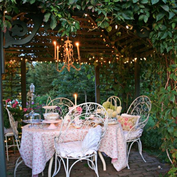 outdoor area gartenlaube kletterpflanzen
