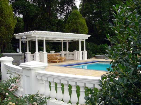 pergola im garten ein perfekter schattenspender im sommer. Black Bedroom Furniture Sets. Home Design Ideas