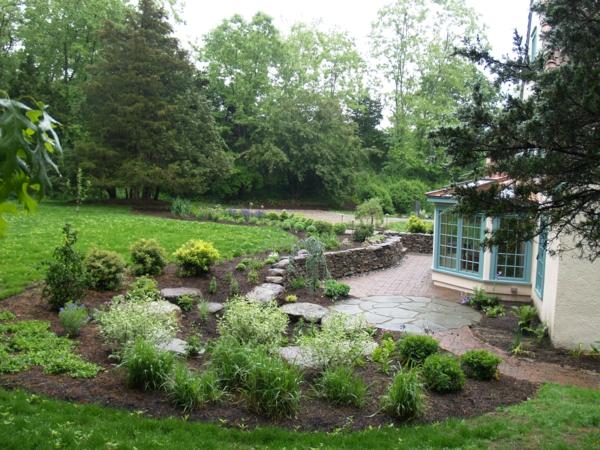 regen garten pflanzen nass grün gras tiefe steine
