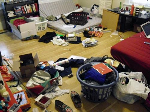 schlechtes feng shui schlafzimmer tipps aufräumen