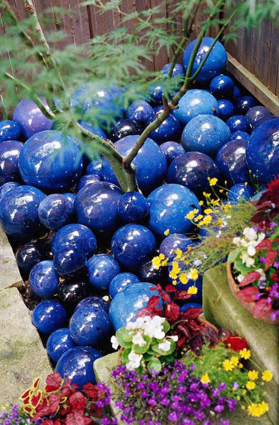 skurrile landschaft design ideen blau kugel glanzvoll