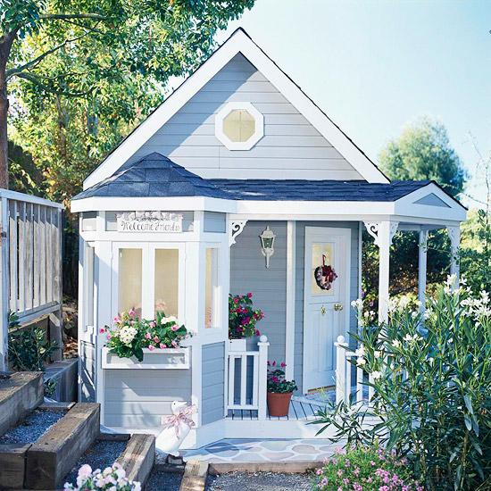 spielhaus im garten idee klein dachfenster verspielt