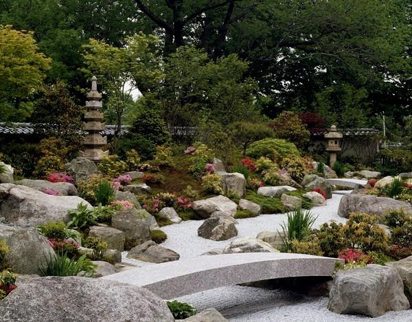 Steingrte Felsen Pflanzen Brücke Der Japanische Garten ...
