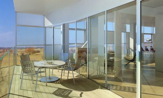 coole terassenüberdachung holzboden glaswände essbereich