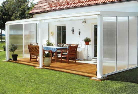 coole terrassenüberdachung veranda schutz essbereich sommer