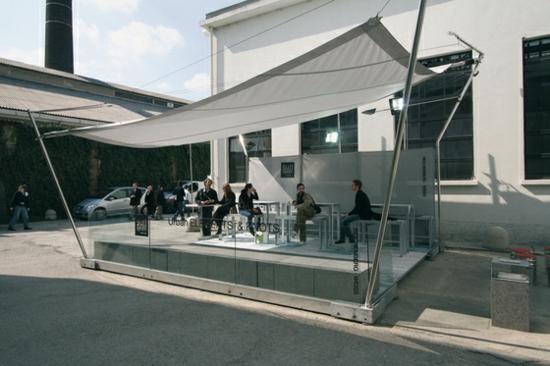 balkon sonnensegel coole ideen f r die hei en sommertage. Black Bedroom Furniture Sets. Home Design Ideas