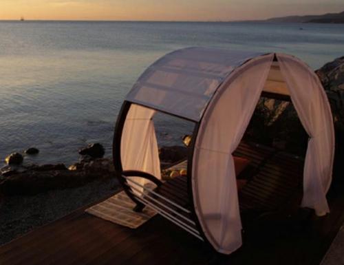 tete-a-tete-privat luftig gardinene weiß strand