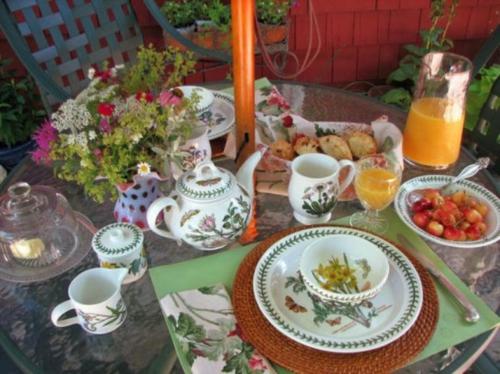 Tisch Deko Ideen zum Muttertag kerzen