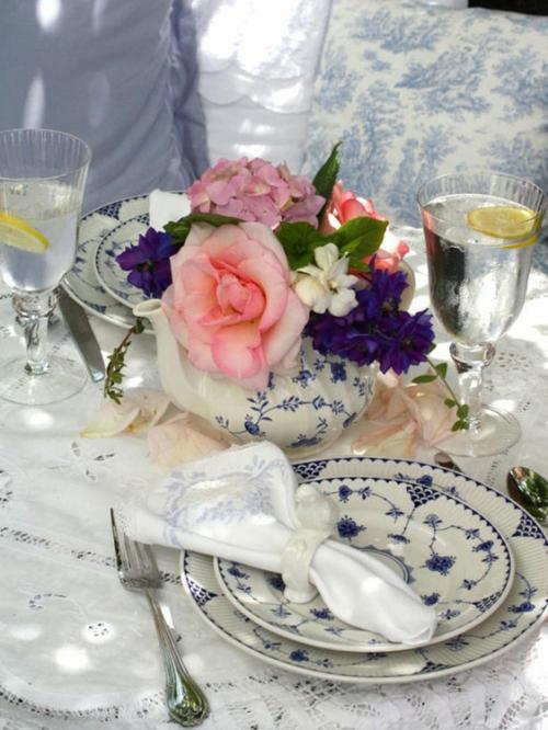 Tisch Deko Ideen zum Muttertag rosen porzellan auserlesen
