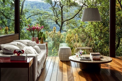 veranda holz holzboden möbel sofa rundtisch