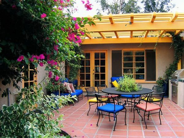 veranda design ideen holz tisch samt stuhl