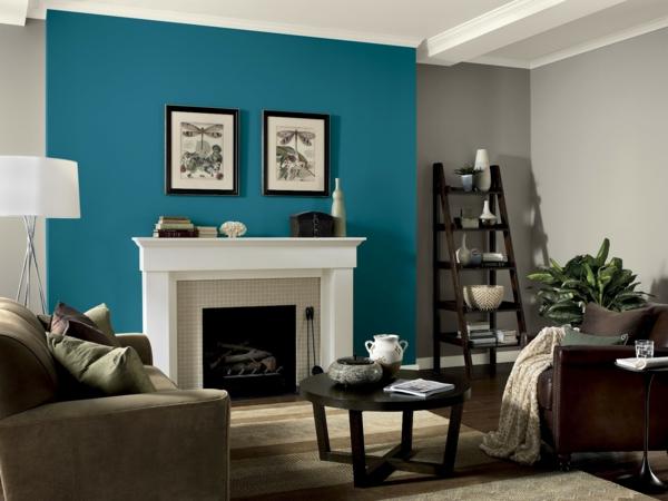 wände streichen ideen wohnzimmer stark farbe blau kamin