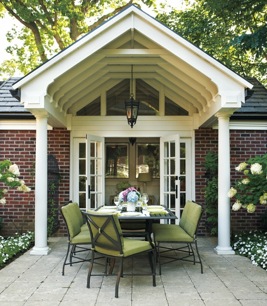 überdachung hintergarten esszimmer idee grüne auflagen