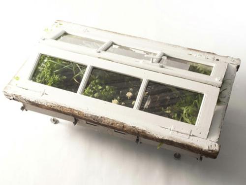 recycelte m bel als pflanzen beh lter verwendet von designer duo. Black Bedroom Furniture Sets. Home Design Ideas