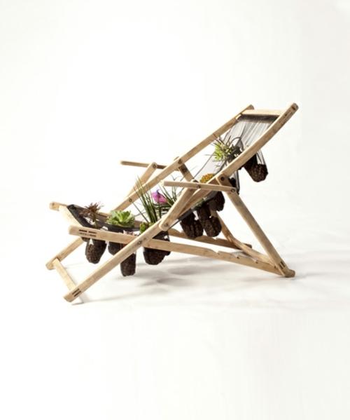 Recycelte Möbel als Pflanzen Behälter verwendet holz liege