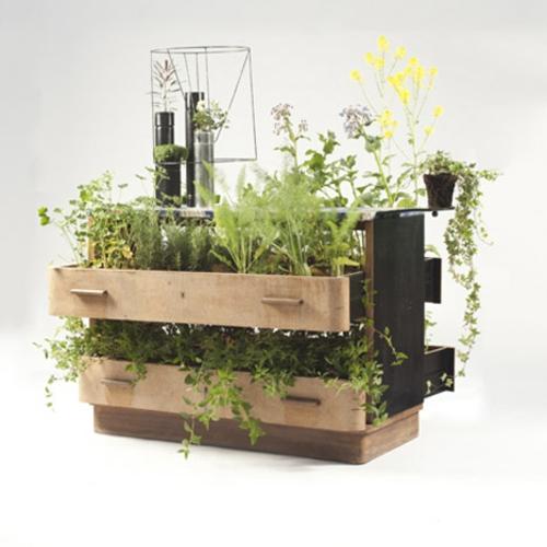 Recycelte Möbel als Pflanzen Behälter verwendet holz schubladen