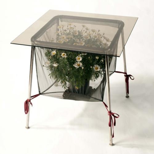 Recycelte Möbel als Pflanzen Behälter verwendet tisch glas