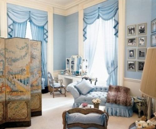 ankleideraum ordnen feminin gardinen blau trennwand sofa