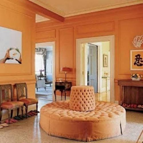 ankleideraum ordnen gelb beige sofa rund stühle