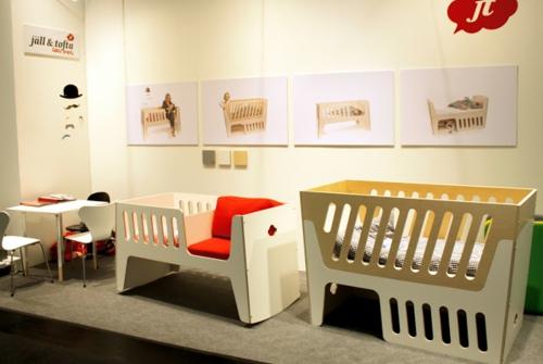Babyzimmer Möbel - komfortables Kinderbett von Jall&Tofta