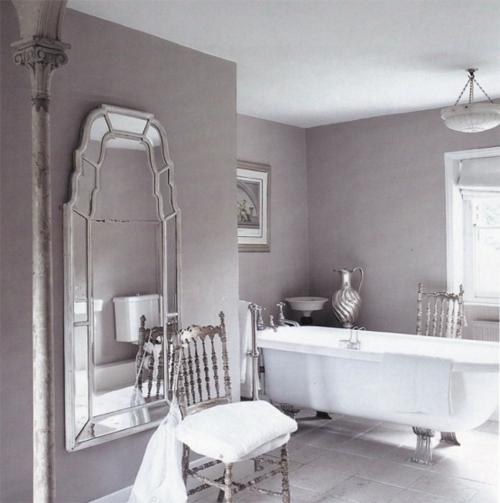 badezimmer design möbel weiblich spiegel badewanne