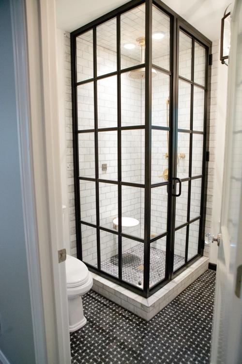 badezimmer ideen duschkabine französische türen schwarz weiß