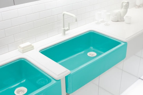 Badezimmer Ideen - auffallende farbige Waschbecken