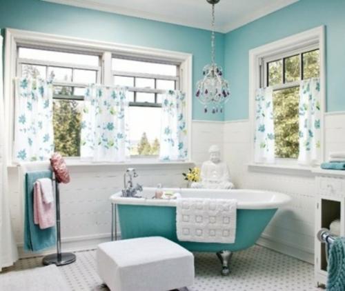 badezimmer möbel weiblich gardinen blau badewanne