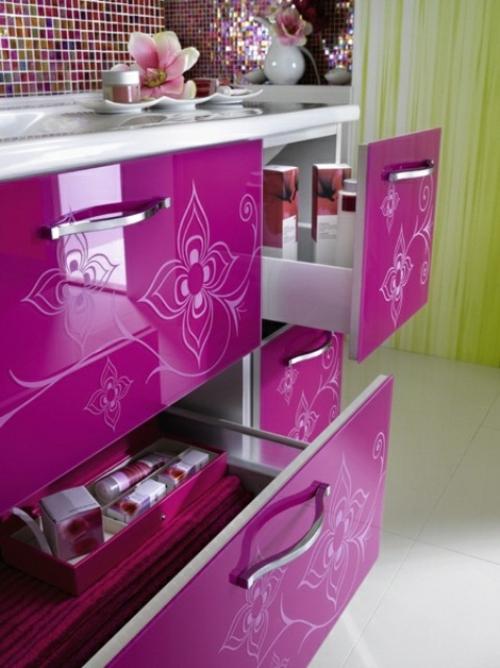 badezimmer möbel weiblich waschbecken unterschrank blumenmuster lila