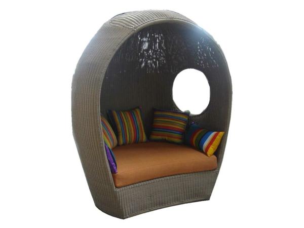 balkon möbel aus rattan gartenmöbel hocker sofa schattenspender