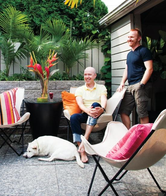 buntes garage design hausbesitzer partner hund