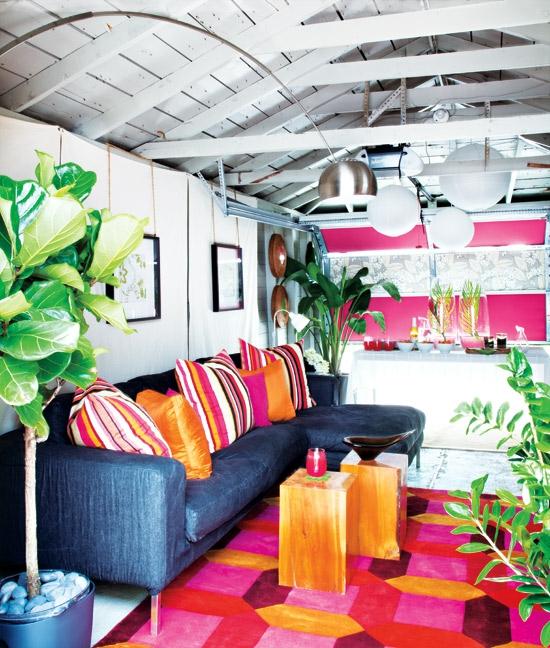 buntes garage design rosa orange texturen kissen teppich