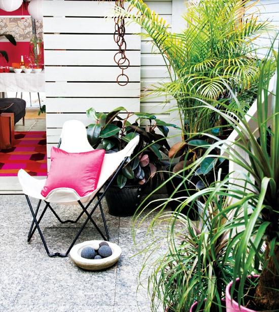 buntes garage design rosa schmetterling stuhl klappen