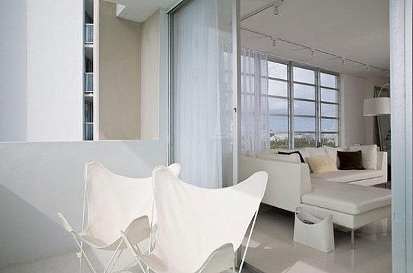 coole balkon deko ideen blumen weiße farben
