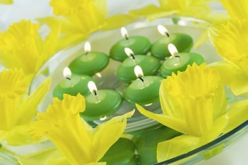 coole kerzen ideen sommer grün gelb narzissen frisch