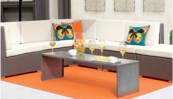 coole outdoor zubehör ideen kaffee tisch bank orange teppich