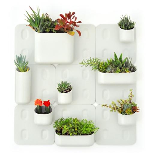 Coole praktische deko ideen f r ihren balkon urbio for Blumentopf wand