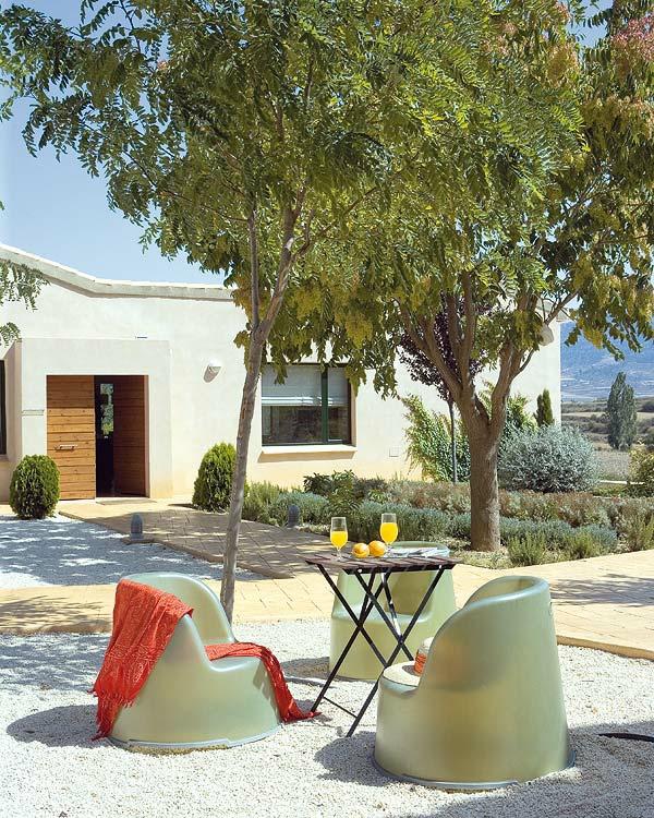 den balkon einrichten 25 inspirationsbilder f r sie. Black Bedroom Furniture Sets. Home Design Ideas