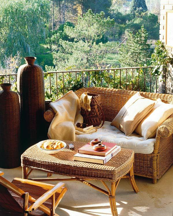 balkon einrichten korbmöbel deko natürlich