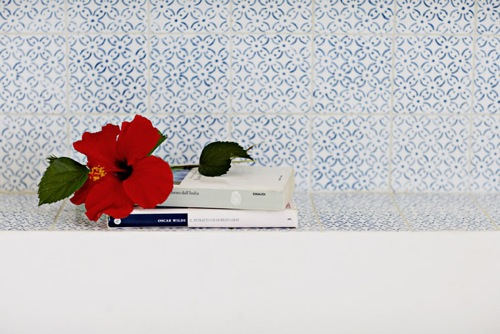 designer badezimmer fliesen art kunst elisa boeger design blume rot