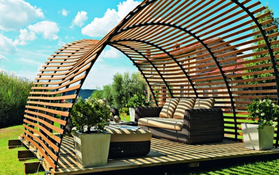 designer holz pergola italienisches design f r ihren au enbereich. Black Bedroom Furniture Sets. Home Design Ideas