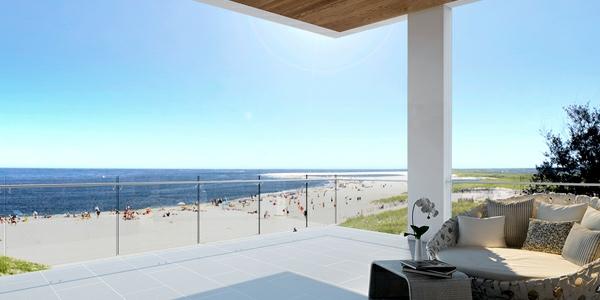 einen ruhigen balkon gestalten balkonmöbel meer strand