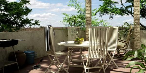 einen ruhigen balkon gestalten klappmöbel idee weiß