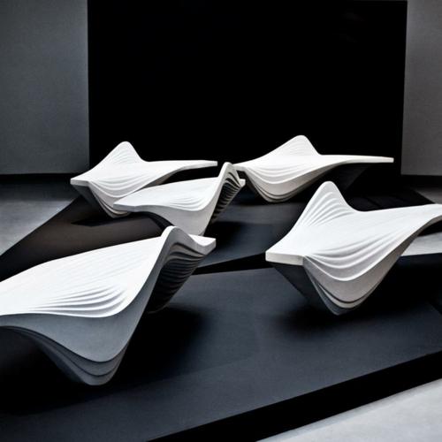 futuristische coole sitzbank design ausstellung mailand