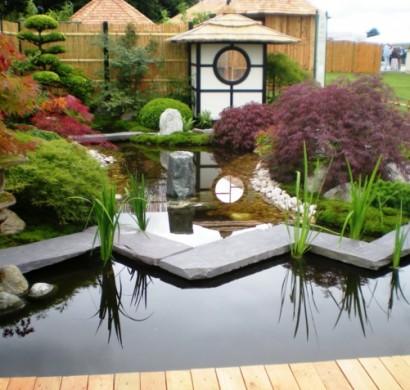 gartengestaltung-mit-steinen-japanischer-garten-hinterhof